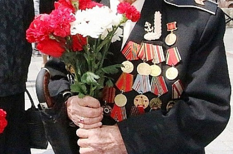 Член Общественной палаты Приморья поздравил ветеранов с праздником