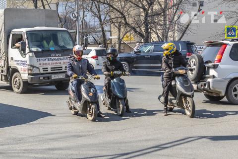 Девять протоколов составили полицейские на мотоциклиста без прав