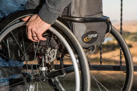 Как ухаживать за больными и инвалидами, учат в Приморье