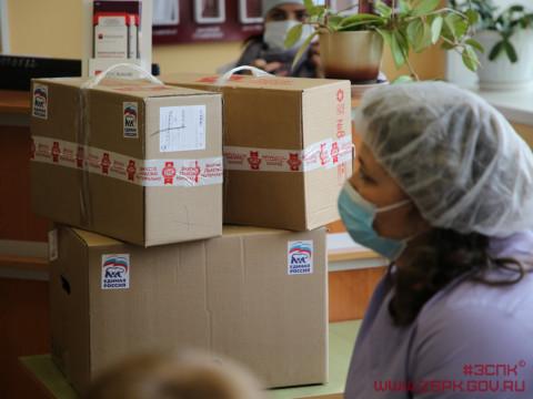 Инфекционным бригадам в Артеме переданы термокостюмы