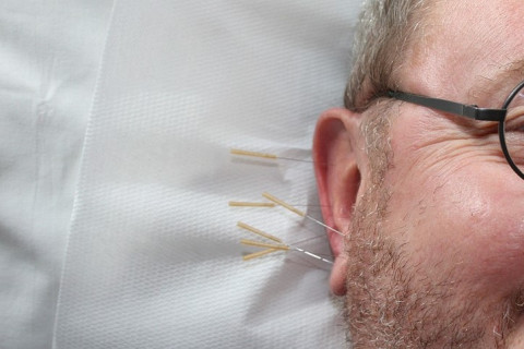 Вплоть до глухоты: доктор Мясников напомнил об опасности антибиотиков