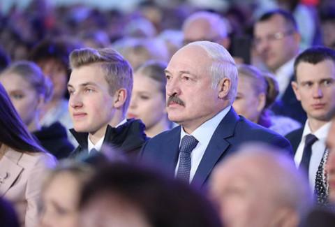 Сын Лукашенко рассказал о своем непослушном папе