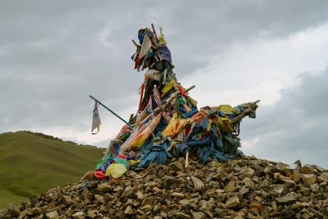 Правительство зовет на помощь шаманов