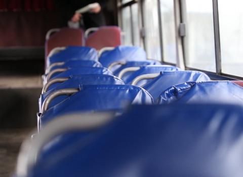 Подержанные двухэтажные автобусы возмутили владивостокцев