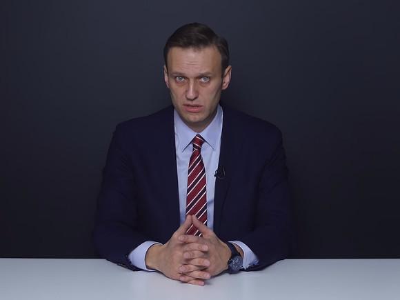 Навальный пришел в себя и рассказал, что случилось в самолете