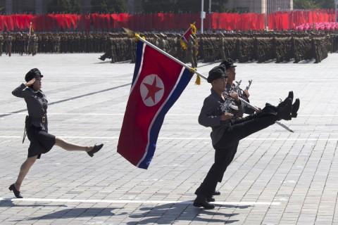 Ким Чен Ын показал новую ракету на параде