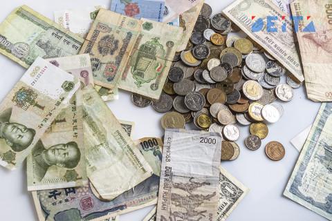 Деньги превратят в труху — каким россиянам «обнулят» сбережения
