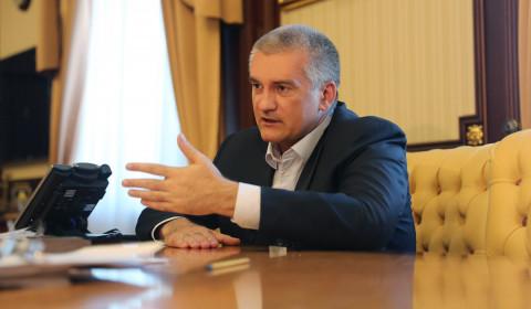 Крымский конфуз: министр культуры прервала совещание матом