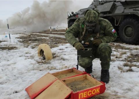 Опасные вирусы у российских границ: Москва назвала сценарии биологической атаки