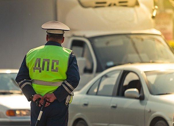 Массовые проверки на алкоголь устроит ГИБДД прямо на дороге