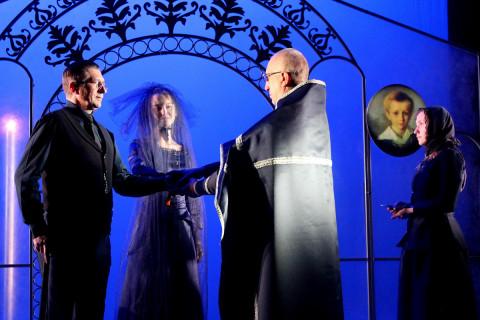 Драма, мелодрама, комедия – три спектакля привозит театр Комиссаржевской во Владивосток