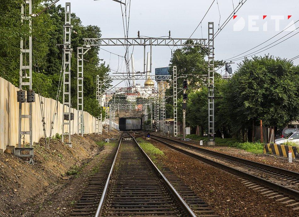 Железнодорожный переезд закрыт во Владивостоке