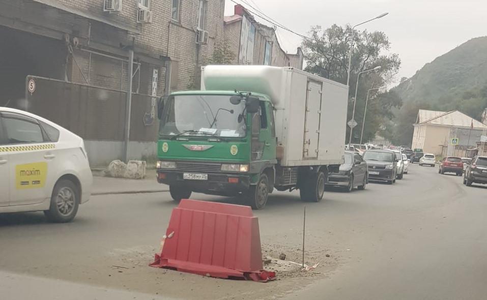Всё идёт по плану: план ремонта владивостокских улиц огорчает водителей