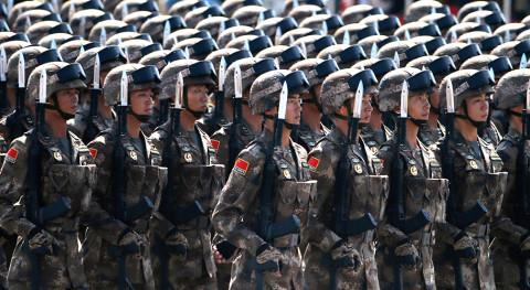 Китайские военные совершили марш-бросок по России