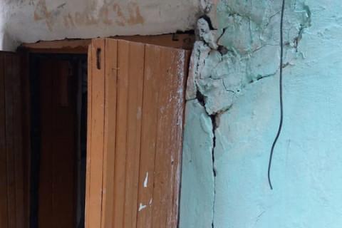 Аварийное здание чуть не убило ребёнка на Дальнем Востоке