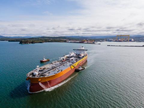 ССК «Звезда» передал заказчику первый танкер класса Афрамакс «Владимир Мономах»