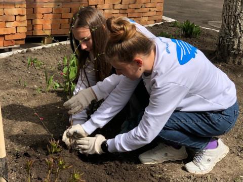 Уссурийские волонтеры помогли в праздновании Дня Победы