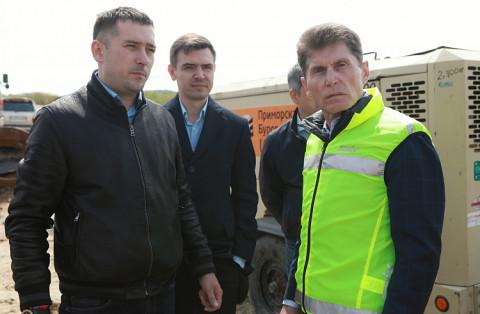 Ремонт важной трассы в Приморье проверил губернатор