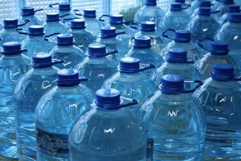 Маркировку воды вводят в России