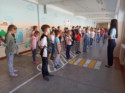 Правилам движения учат в пришкольных лагерях приморских детей
