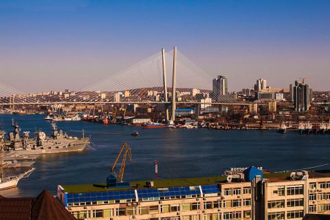 Выставку о Владивостоке продлили до августа