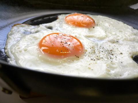 Необычное приготовление привычных блюд: готовим яичницу