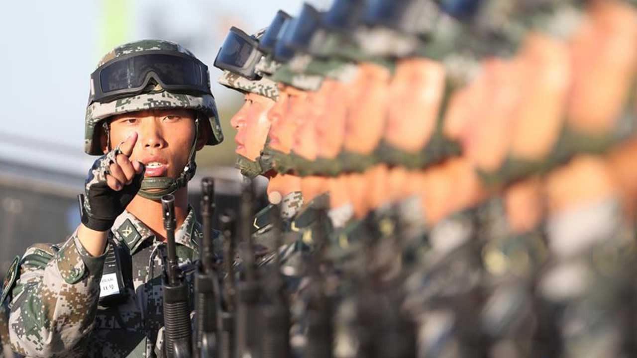 Китай ввел военное положение у границы с Россией