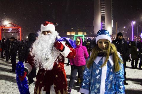 Губернаторы дарят праздник россиянам