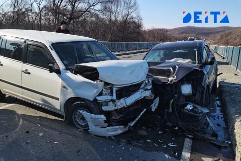 Водители Приморья предупреждают об авариях на дорогах региона