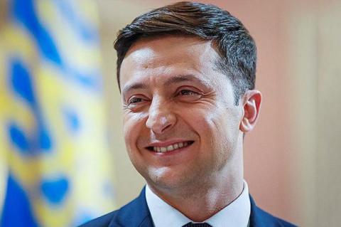 """Зеленский попросил помощи у Байдена, чтобы """"справиться"""" с Россией"""