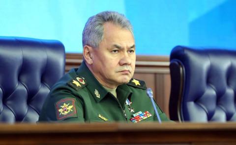 Шойгу: Запад стягивает войска к границам РФ