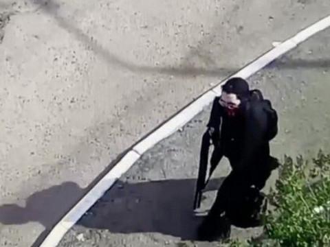 Обнародовано видео покупки оружия казанским стрелком