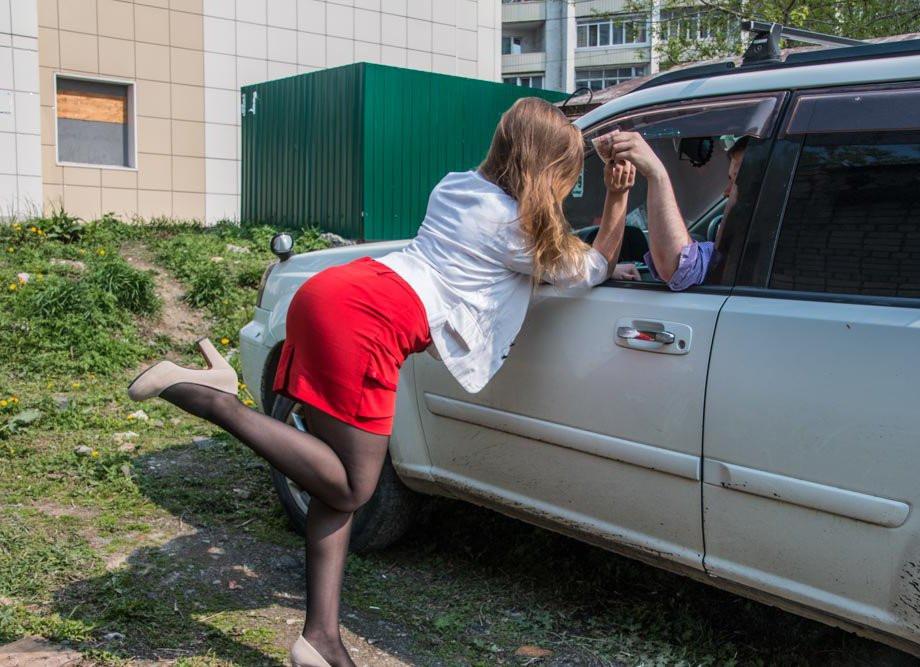 Старейшая профессия тоже хочет господдержки: проститутки требуют открыть бордели