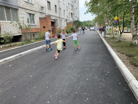 Более 40 дворов ремонтируют во Владивостоке