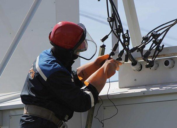 Энергетики ликвидируют последствия ураганного ветра в Черниговском районе