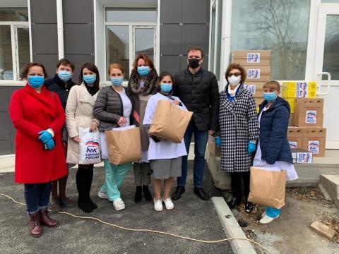Партия гуманитарной помощи доставлена в самый крупный инфекционный госпиталь Приморья