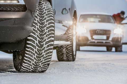 Скоро снег: автомобилистам советуют сменить резину