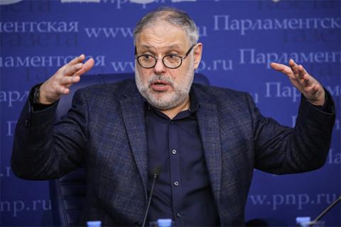 «Кошка бросила котят – это Путин виноват»: Хазин о причинах украинского кризиса