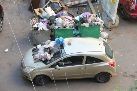 Штрафы за парковку у мусорного контейнера вводят в Приморье