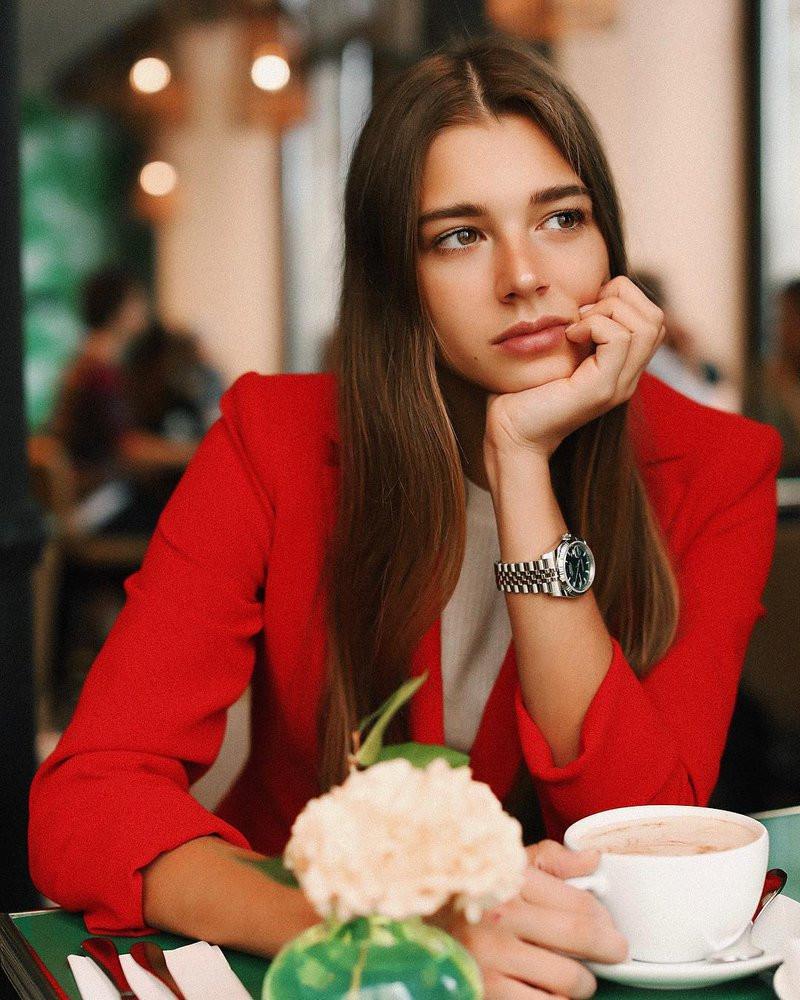 Отказаться летом от косметики предложила россиянкам врач