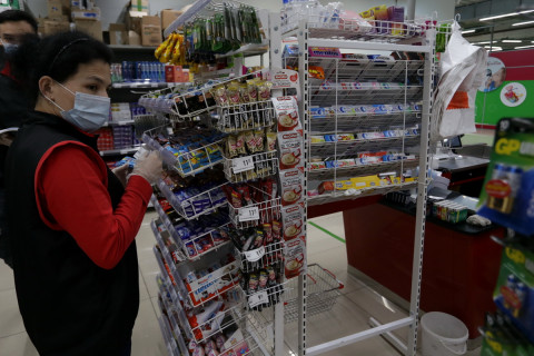 Рынки, почты и супермаркеты проверяют в Приморье