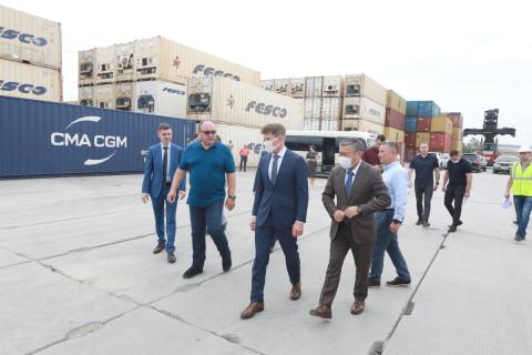 Олег Кожемяко посетил логистический центр «Сухой Порт»