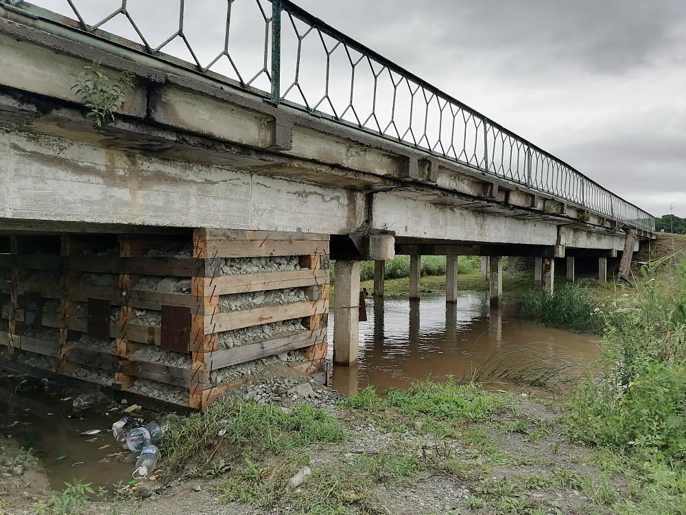 """""""И так сойдёт"""": мост возле села Домашлино """"отремонтировали"""" по альтернативной технологии"""