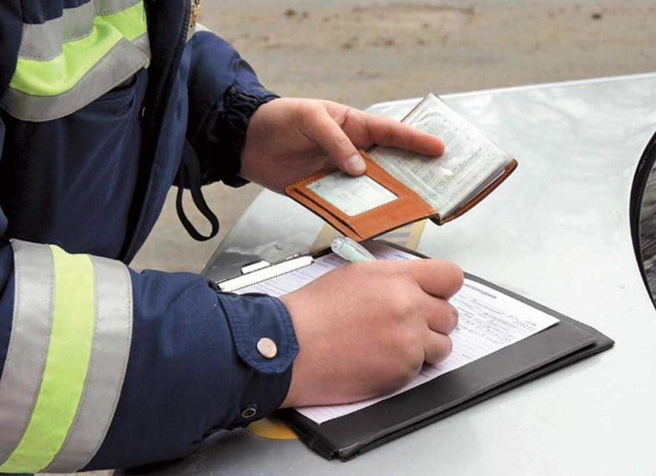 Из-за хама на Лексусе из Владивостока водителей начнут лишать прав под новым предлогом