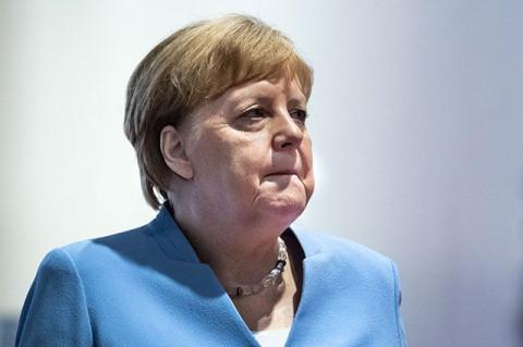 Меркель за два дня посетит Россию и Украину