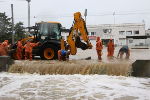 Жителей Керчи начали эвакуировать из-за потопа
