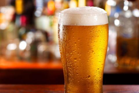 Алкоголь в России будут продавать по QR-коду