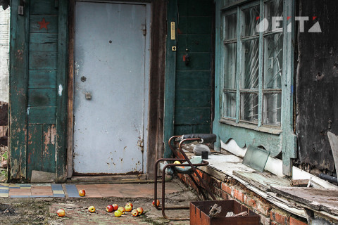 Дом вместе с женщиной с ребёнком подожгли в Приморье