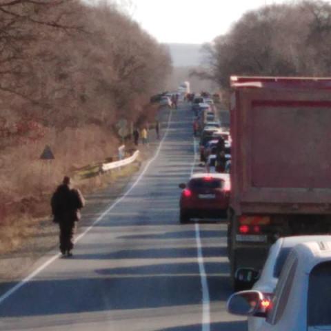 Массовые ДТП блокировали трассу в Приморье