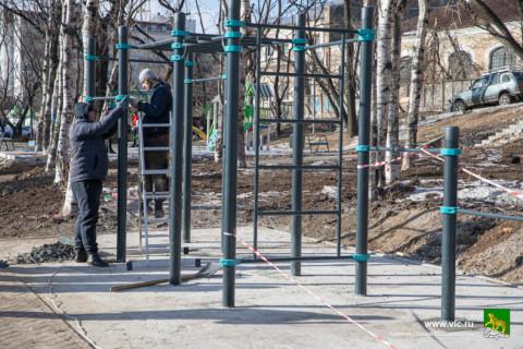 Отремонтированный сквер откроют до конца года во Владивостоке